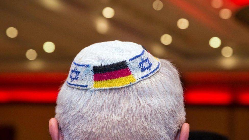 German Jews warned not to wear kippas after rise in anti-Semitism