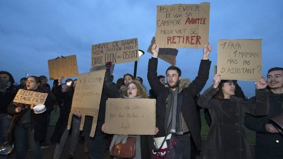 People protest against Francois Fillon in Chasseneuil, central-western France. Photo: 9 February 2017