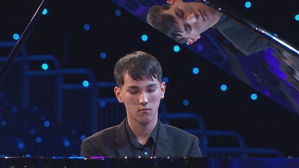 Rhuban Glas Offerynnol 16-19 oed (Cystadleuaeth 68) / Instumental Blue Riband 16-19 yrs (Competition 68)