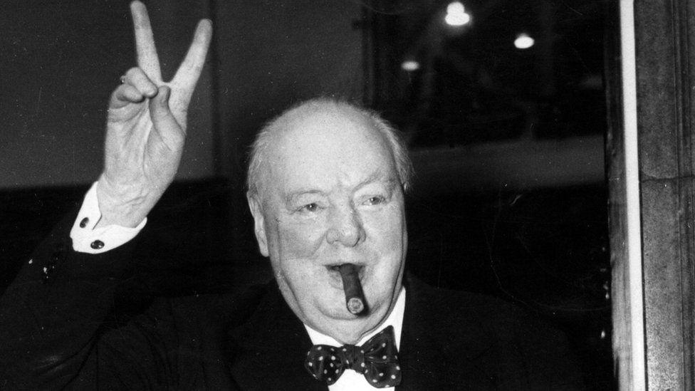 Winston Churchill foi herói ou vilão? Por que Reino Unido discute isso agora