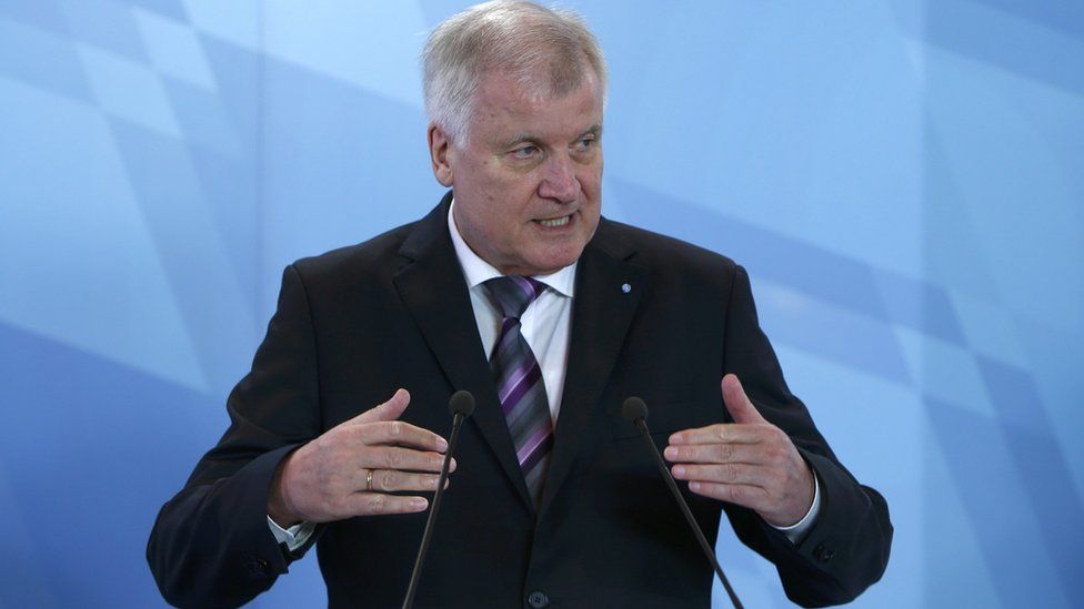 Bavarian state premier Horst Seehofer at news conference in Munich. 9 Oct 15