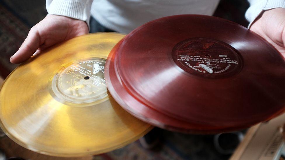 Coloured discs
