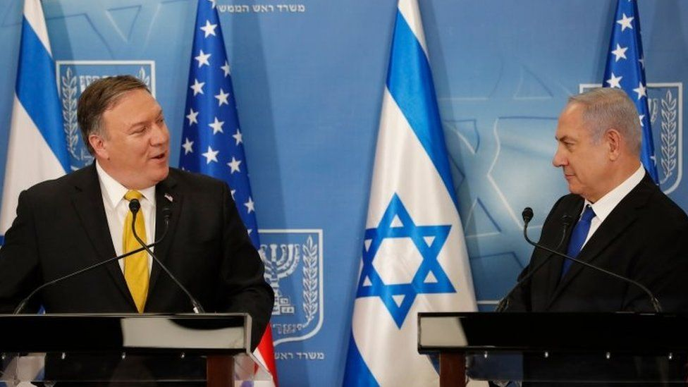 US Secretary of State Mike Pompeo (L) and Israeli Prime Minister Benjamin Netanyahu attend a joint press conference at the Ministry of Defence in Tel Aviv on 29 April 2018
