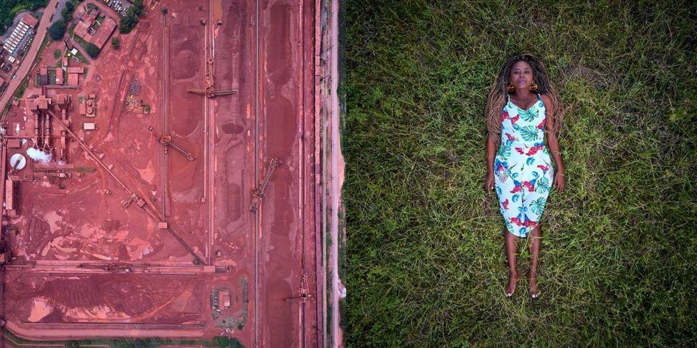 женщина на траве