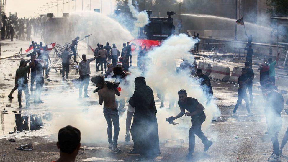 """مظاهرات العراق: هل تعكس """"تذمرا شعبيا"""" من النفوذ الإيراني؟"""