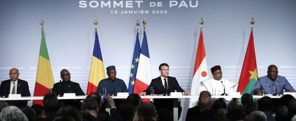 Emmanuel Macron hosts leaders of the G5 group in Pau
