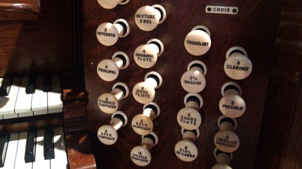 the organ in Kilbarchan