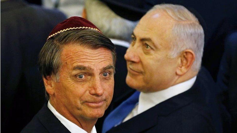 Jair Bolsonaro (L) and Israeli Prime Minister Benjamin Netanyahu (R) at a synagogue in Rio de Janeiro, Brazil, 28 December 2018