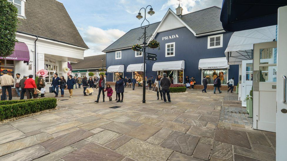 Why do the Chinese love Bicester Village  - BBC News abbf0a3023859