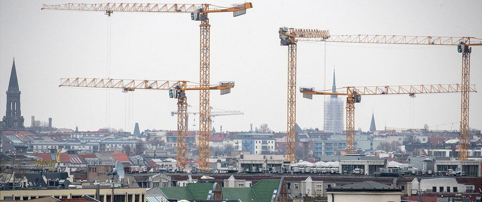 Cranes in central Berlin, 21 Mar 19