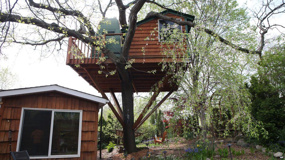 A treehouse available for rent via Airbnb