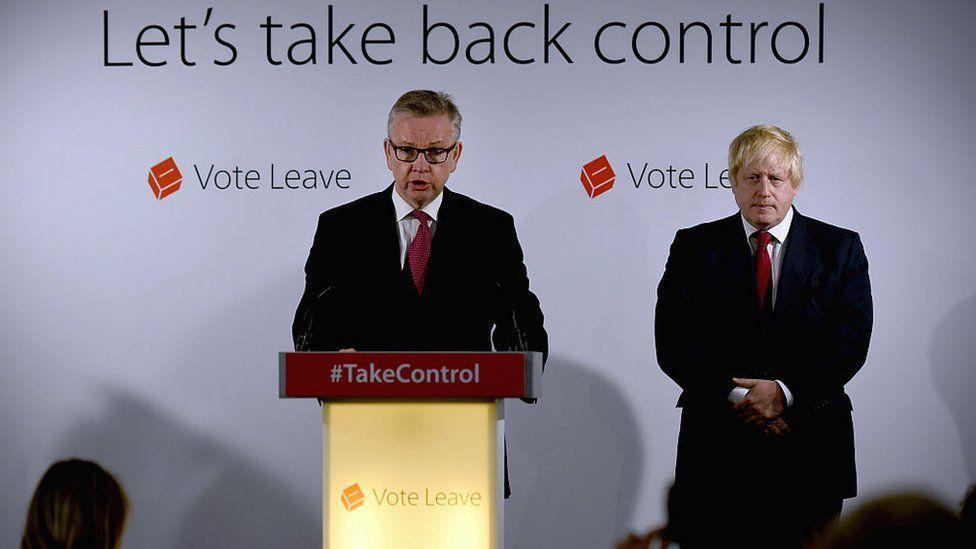 Michael Gove (l) and Boris Johnson