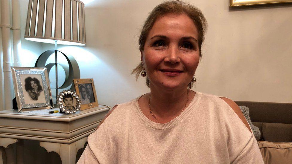 Emel Resuloglu at her house
