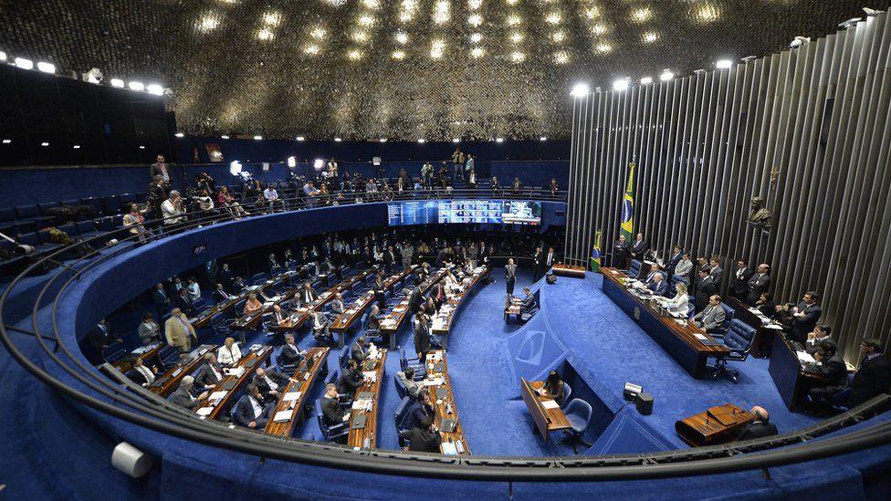 Após ampla derrota no Senado, aliados de Dilma dizem que só Lava Jato muda impeachment