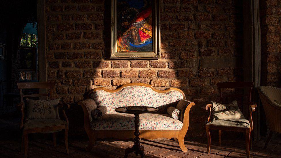 The inside of Hamerkop Manor