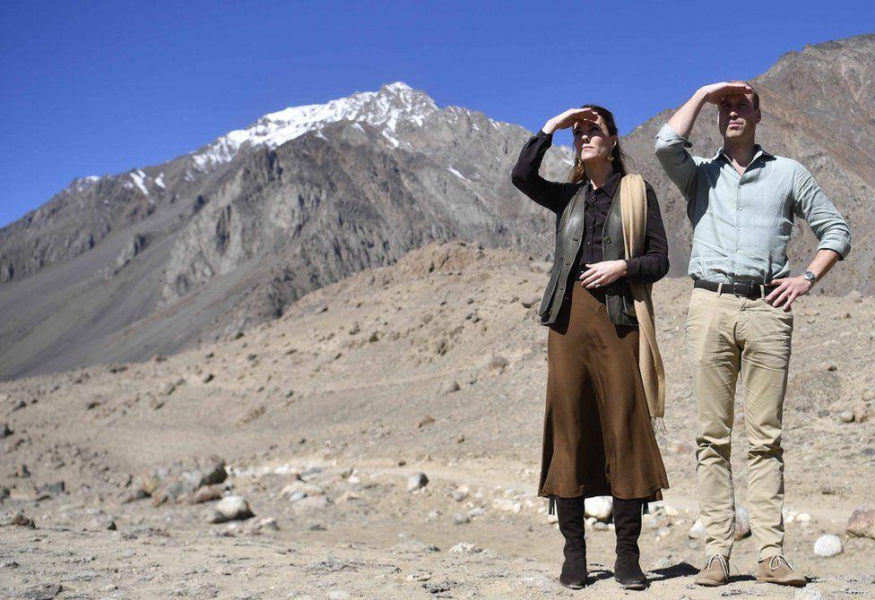 Prince William, Duke of Cambridge and Catherine, Duchess of Cambridge admire the landscape in Pakistan