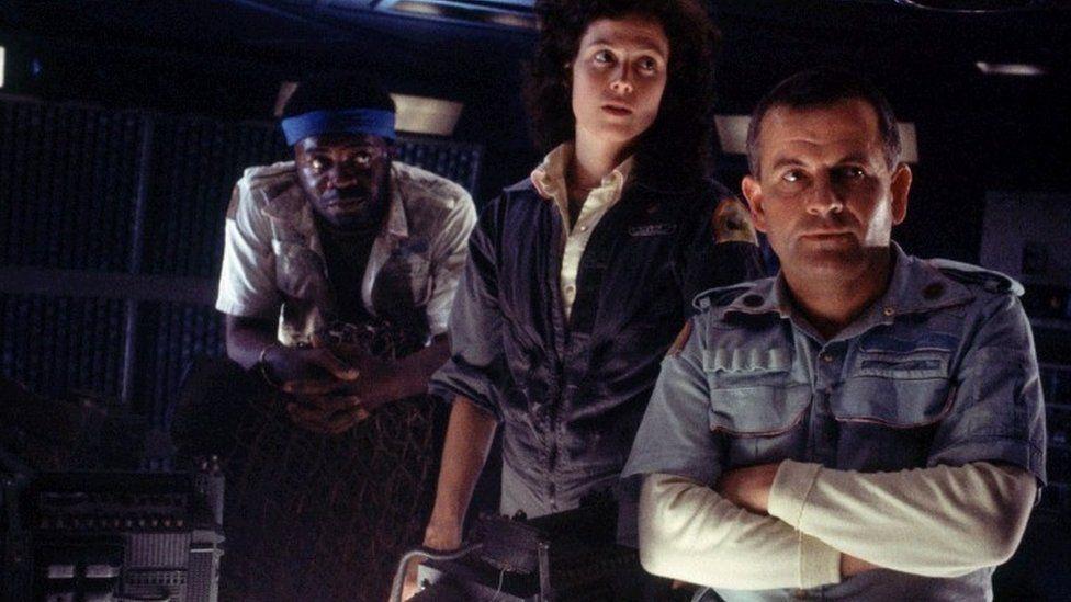 Sigourney Weaver & Ian Holm in Alien
