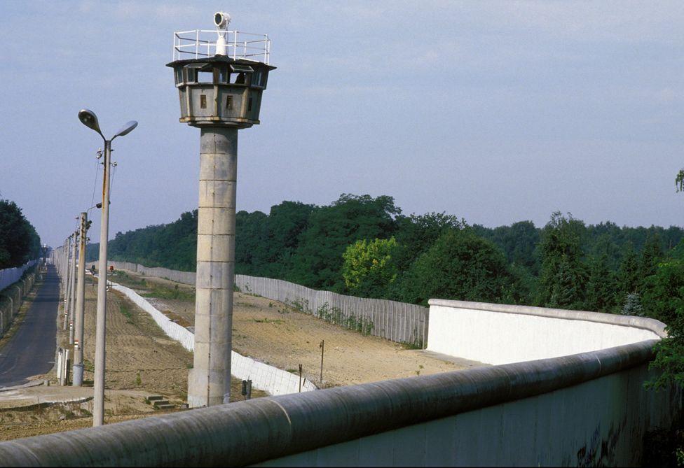 Berlin Wall, 1 Apr 1986