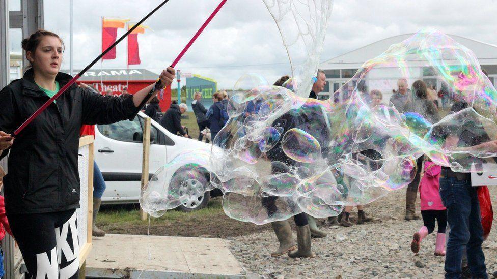 Swigod hardd // Beautiful bubbles