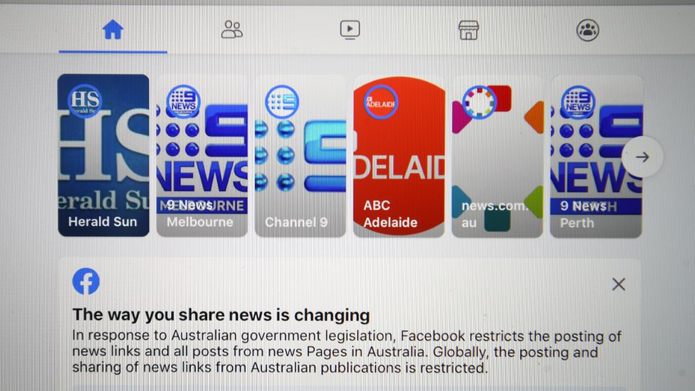 Screenshot of the blocked Australian news sites' stories on Facebook