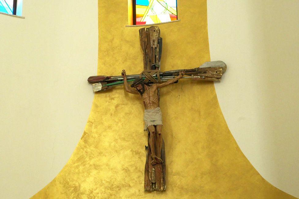 Cross made of oars