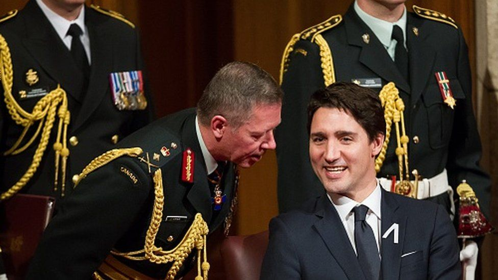 Chief of the Defence Staff General Jonathan Vance (left) with Canadian Prime Minister Justin Trudeau (04 December 2015)