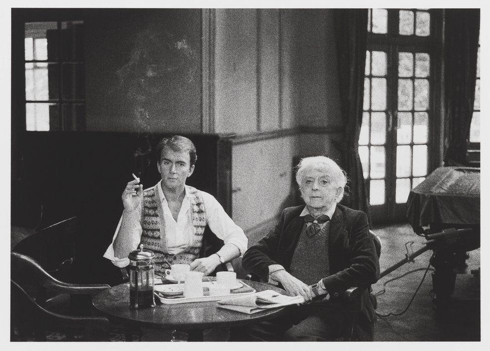 David Gwinnutt and Quentin Crisp, 1986