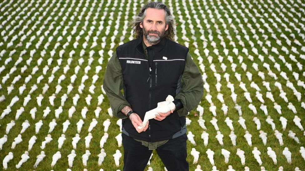 Rob Heard unveils his Shrouds of the Somme installation