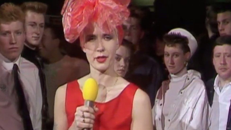 Paula Yates introduced The Proclaimers on Channel Four's The Tube