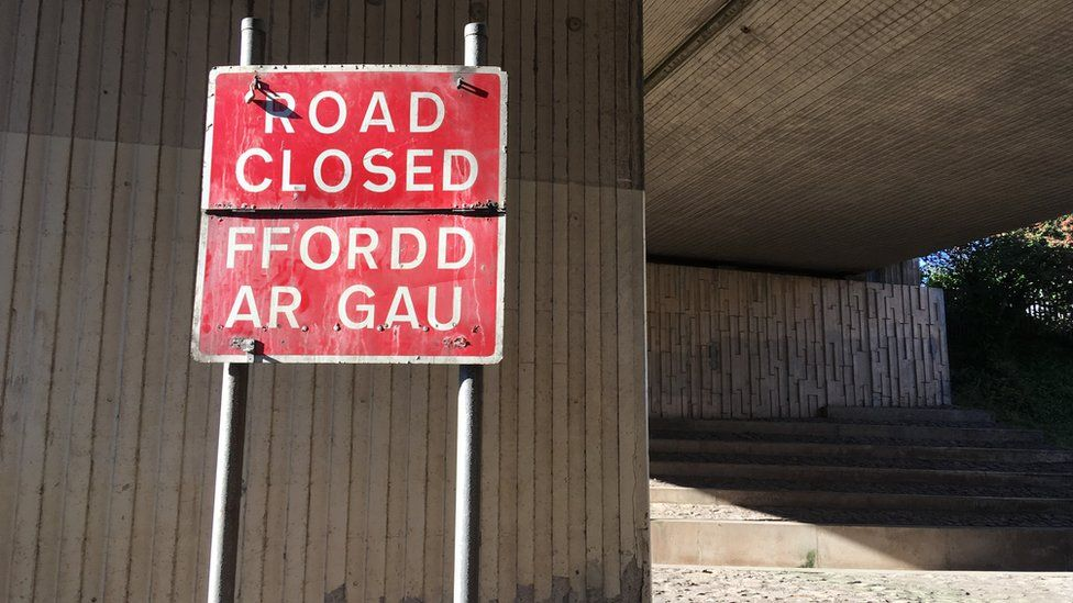 Road Closed sign in Old Colwyn