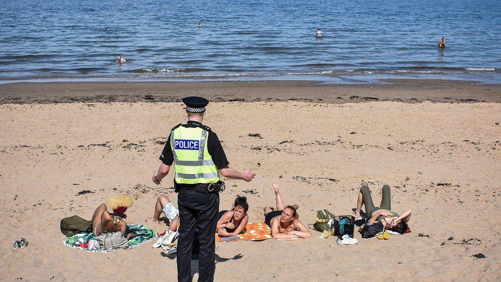 _112394238_police_beach_getty.jpg