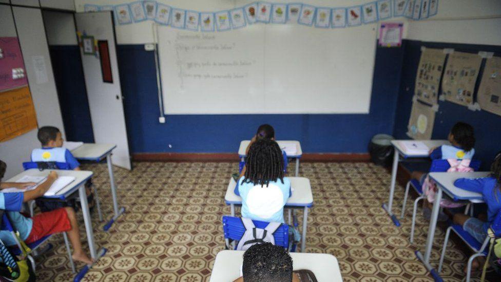 'Esse governo vai provocar o que parecia impossível: piorar a educação', afirma Cristovam Buarque