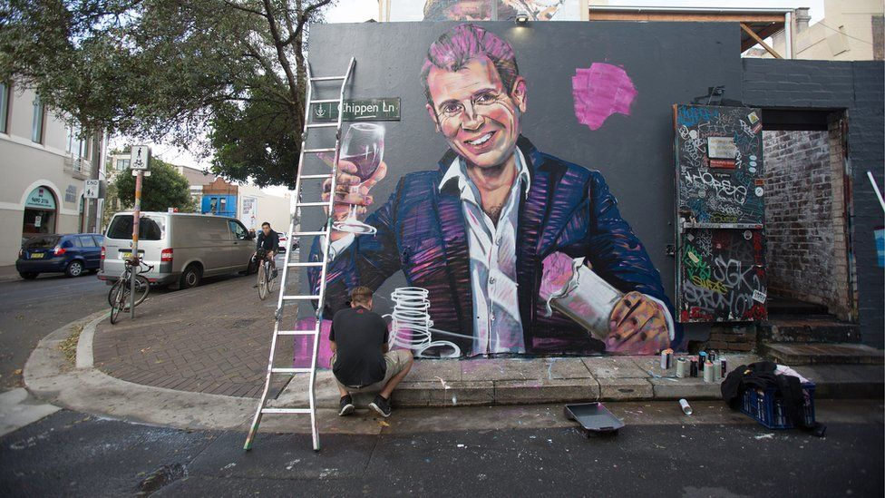 """Former premier Mike Baird depicted as """"Casino Mike"""" in a Sydney street mural"""