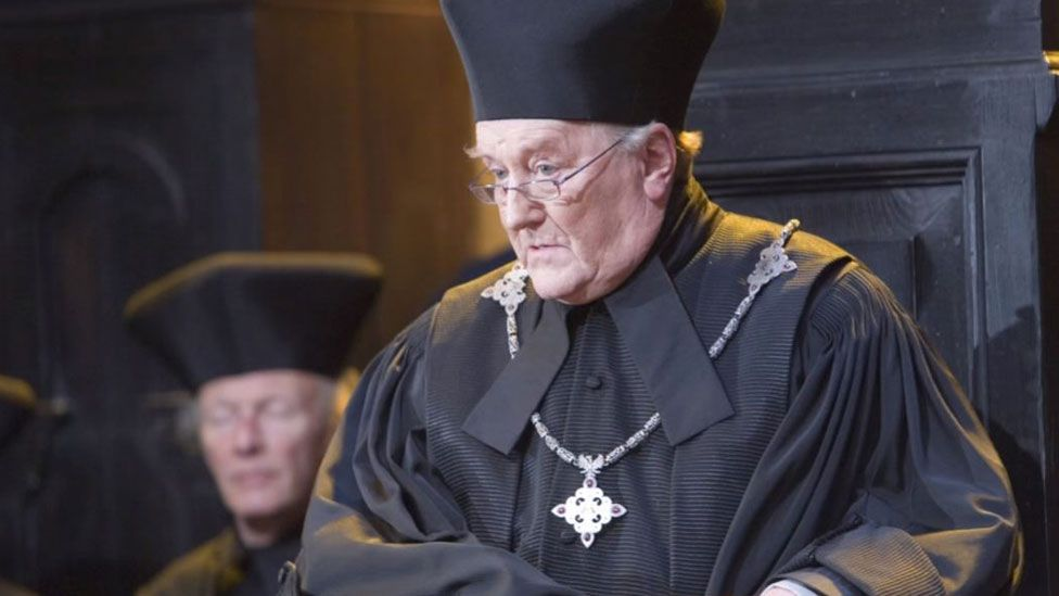 Robert Hardy in Harry Potter and the Order of the Phoenix