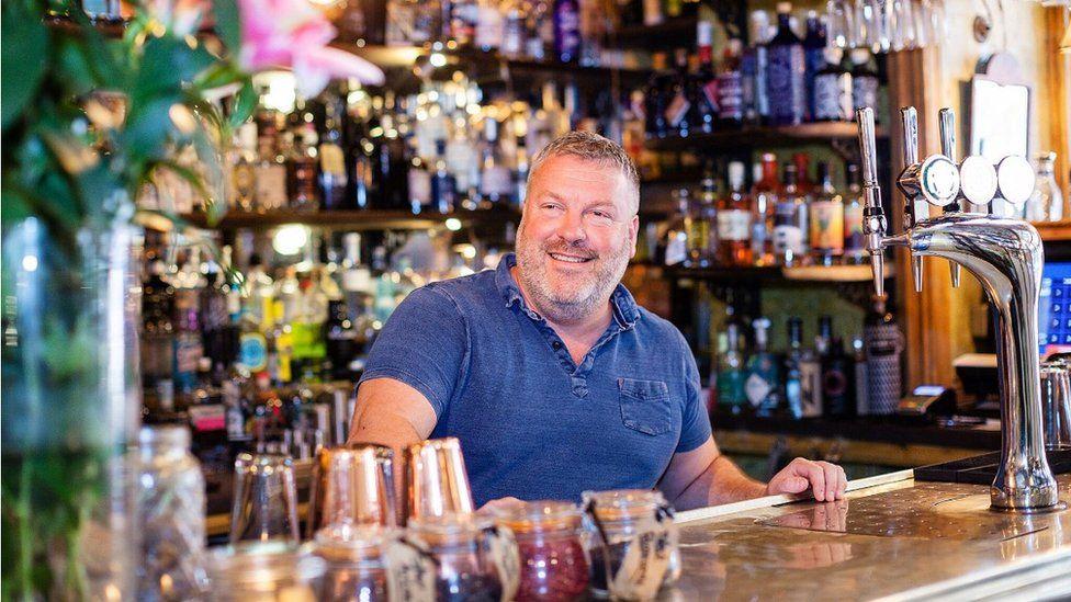 Steve Barker, Gin and Juice, Castle Arcade