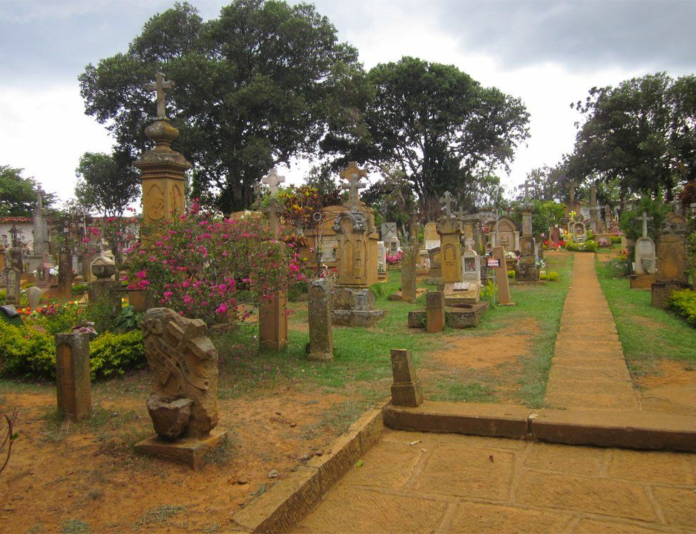 A cemetery n Colombia you can see a cemetery that retains a cheerful atmosphere despite being a place where the memories of our loved ones remain.