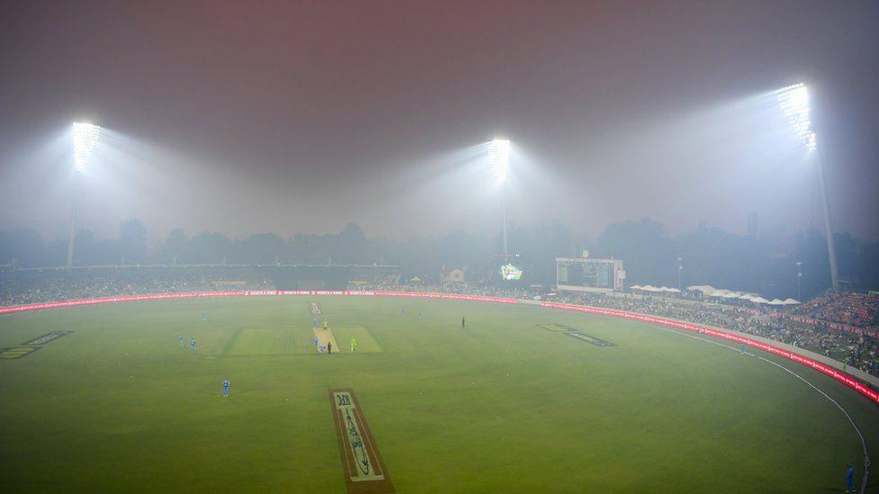 bushfire haze over Sydney cricket ground