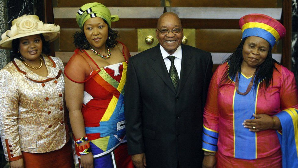 President Zuma (C) and the first ladies, Nompumelelo Ntuli (L), Thobeka Madiba and Sizakele Khumalo taken parliament in Cape Town in 2009