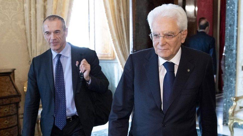 Italian Prime Minister-designate Carlo Cottarelli (left) and Italian President Sergio Mattarella in Rome. Photo: 29 May 2018