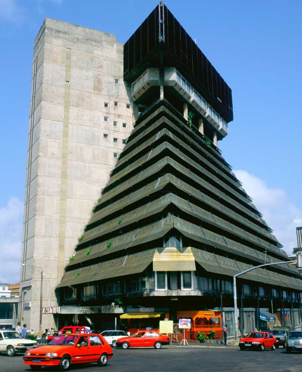 Le Pyramide, Abidjan