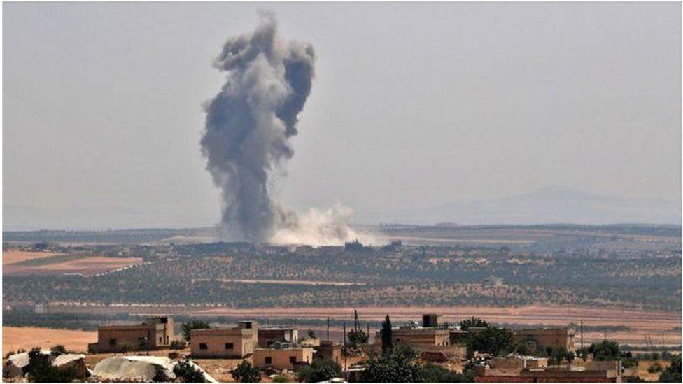 """التطورات في إدلب: فصائل المعارضة السورية المسلحة """"تنسحب من خان شيخون"""""""