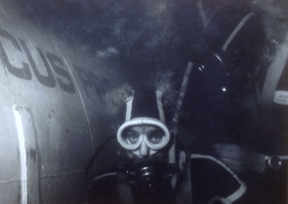 Diving outside Glaucus capsule