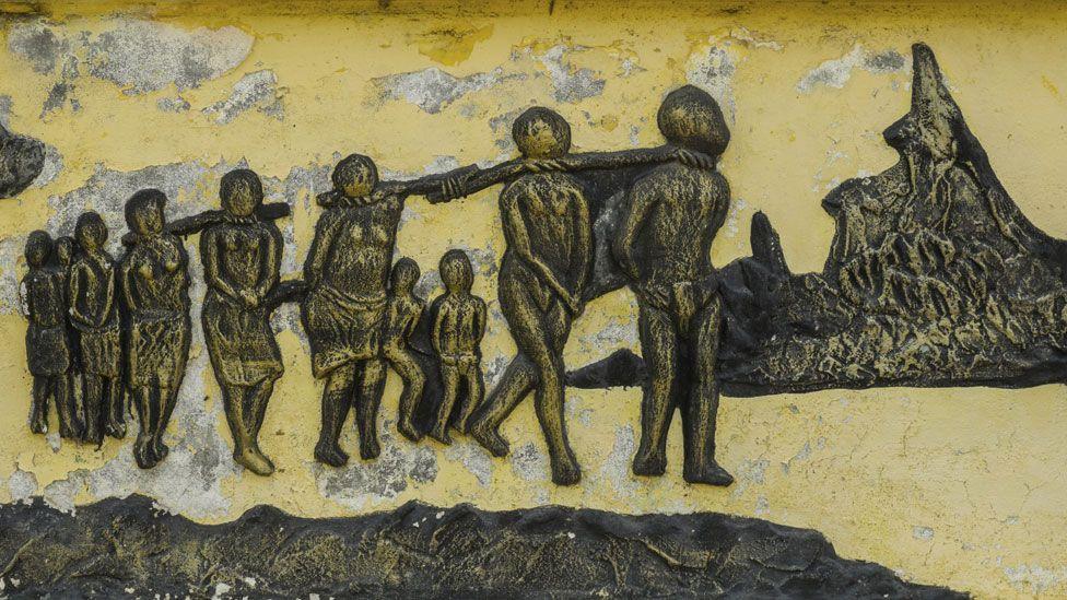 Benin slavery statue