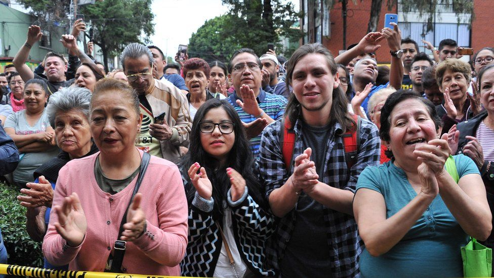 Fans pay tribute to the late Mexican singer and actor José José in Mexico City