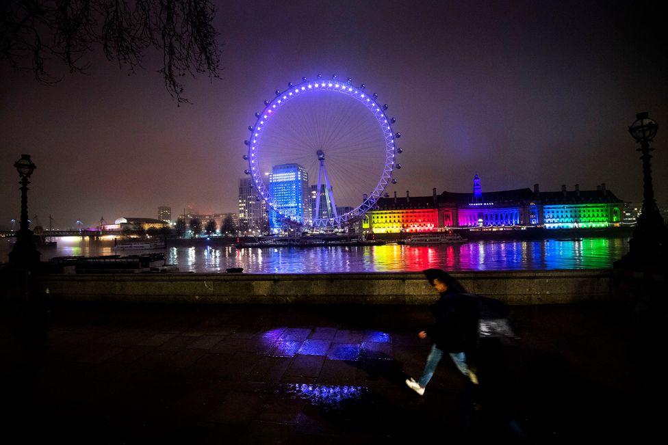 The London Eye lit up in purple on 27 January 2021