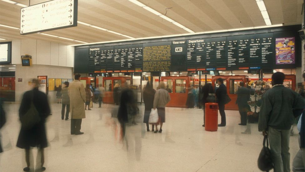 New Street Station concourse in 1980s