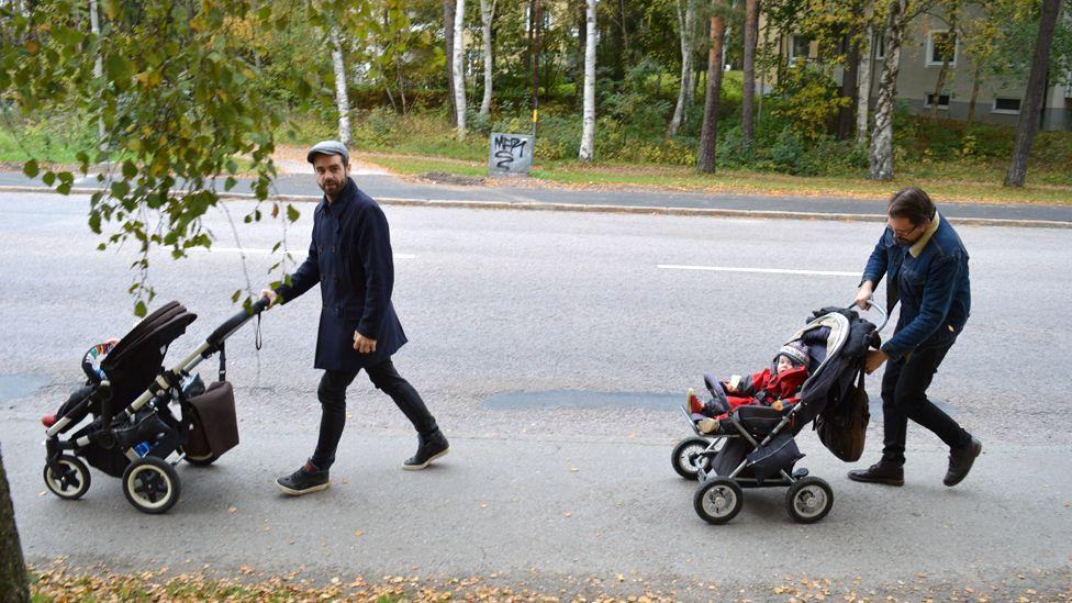 Rikard Barthon and Fredrik Casservik with their children