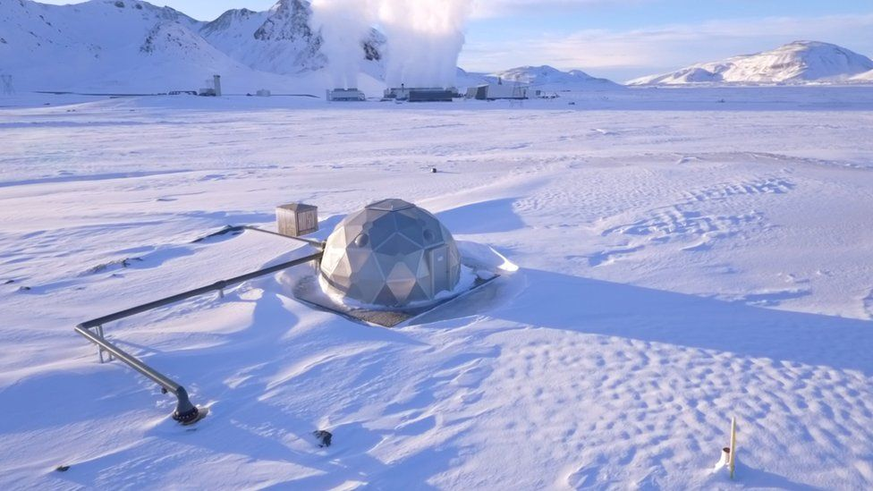 Injection site in the form of an igloo, covered in snow