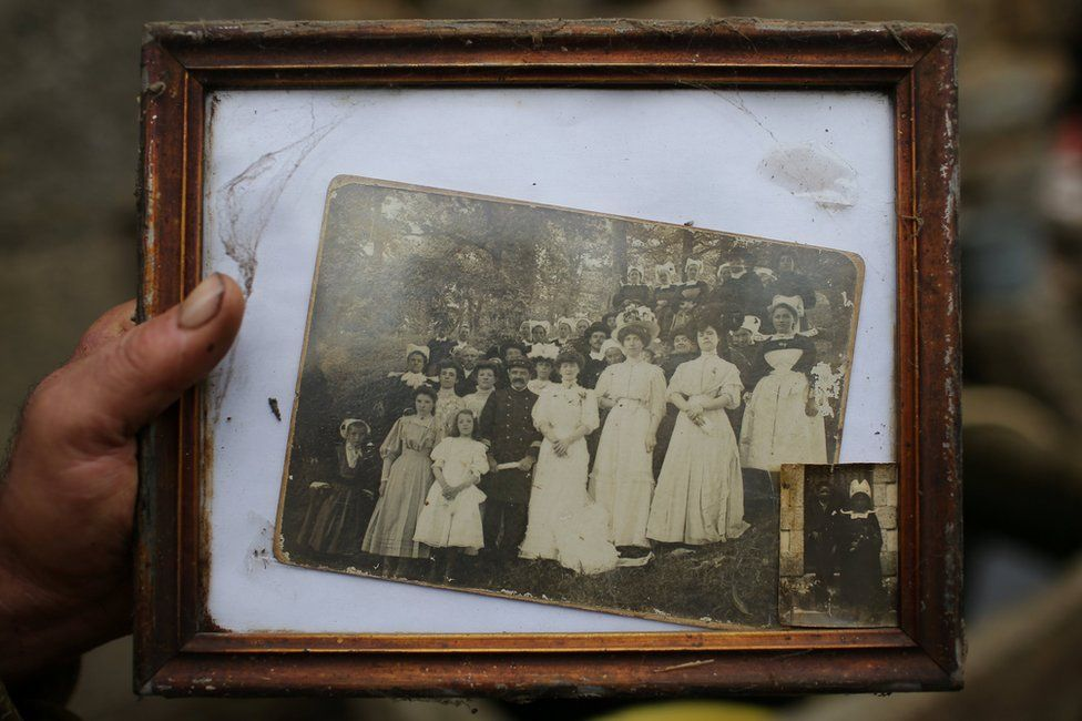 An old photo showing Jean-Bernard's ancestors