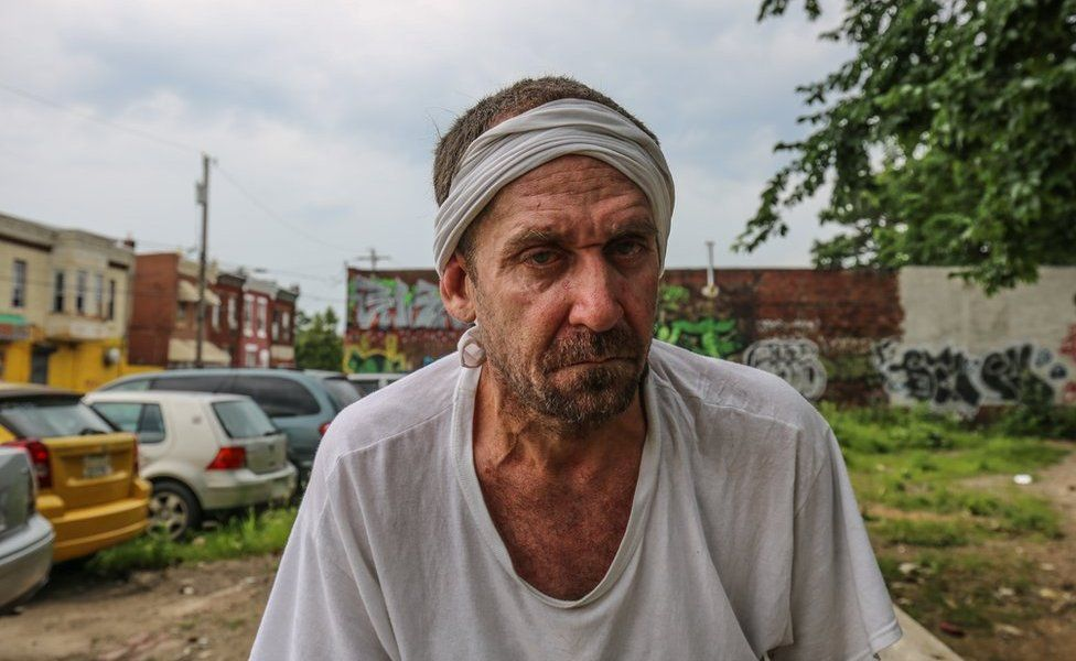 Jose Ojeda, sahte bir tedavi sözü ile Philadelphia'ya gelen binlerce Porto Rikolu bağımlıdan biridir